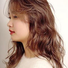 ナチュラル うる艶カラー ロング ダブルカラー ヘアスタイルや髪型の写真・画像