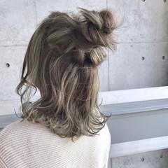 ダブルカラー カーキ ブルー ミディアム ヘアスタイルや髪型の写真・画像