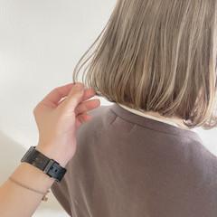 ホワイトベージュ ブリーチオンカラー ボブ 透明感カラー ヘアスタイルや髪型の写真・画像