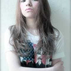 セミロング 外国人風 秋 ストリート ヘアスタイルや髪型の写真・画像