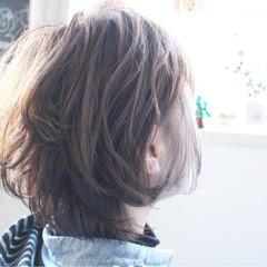 ミディアム ナチュラル ボブ アッシュグレージュ ヘアスタイルや髪型の写真・画像