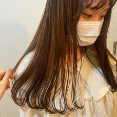 ロング 切りっぱなし ナチュラルベージュ オレンジブラウン ヘアスタイルや髪型の写真・画像