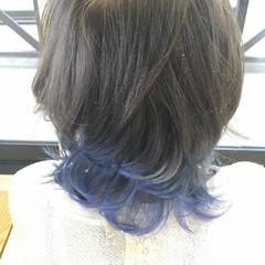 ブルーアッシュ イルミナカラー セミロング グラデーションカラー ヘアスタイルや髪型の写真・画像