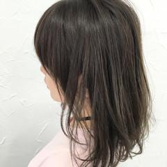 ゆるふわ 暗髪 ストリート グレージュ ヘアスタイルや髪型の写真・画像