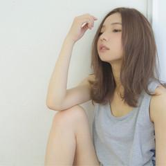 大人かわいい 暗髪 フェミニン アッシュ ヘアスタイルや髪型の写真・画像