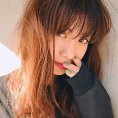 外国人風 セミロング 冬 前髪あり ヘアスタイルや髪型の写真・画像