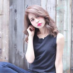 ゆるふわ グラデーションカラー ミディアム アッシュ ヘアスタイルや髪型の写真・画像