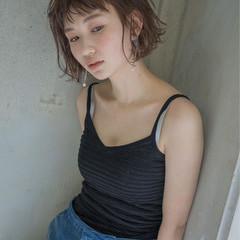 大人女子 ミルクティー 前髪あり ボブ ヘアスタイルや髪型の写真・画像