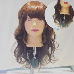 巻き髪 フェミニン 波ウェーブ セミロング ヘアスタイルや髪型の写真・画像