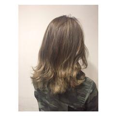 ストリート 外国人風 ハイライト アッシュ ヘアスタイルや髪型の写真・画像