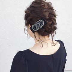 結婚式 ヘアアレンジ ミディアム 後れ毛 ヘアスタイルや髪型の写真・画像