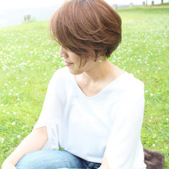 ショート 外国人風カラー 小顔 似合わせ ヘアスタイルや髪型の写真・画像
