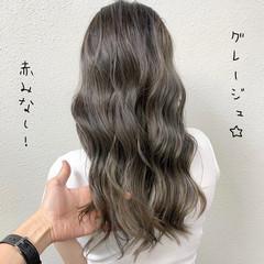 ブリーチ グレージュ シルバー ロング ヘアスタイルや髪型の写真・画像