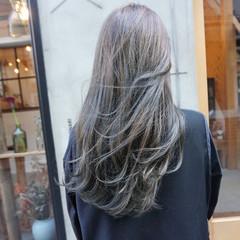 ナチュラル ロング 透明感カラー くすみカラー ヘアスタイルや髪型の写真・画像