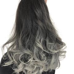 ハイトーン 上品 グレージュ イルミナカラー ヘアスタイルや髪型の写真・画像