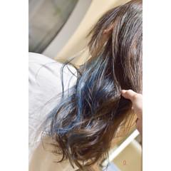 モード インナーブルー イヤリングカラー ターコイズブルー ヘアスタイルや髪型の写真・画像