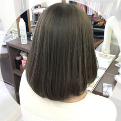 外国人風カラー アッシュ ガーリー グレージュ ヘアスタイルや髪型の写真・画像