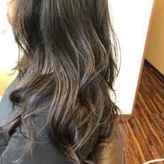 ブラウン ゆるふわパーマ マット ロング ヘアスタイルや髪型の写真・画像