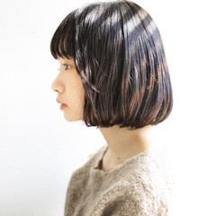 大人かわいい ワイドバング 暗髪 ナチュラル ヘアスタイルや髪型の写真・画像