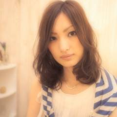 フェミニン ミディアム モテ髪 大人かわいい ヘアスタイルや髪型の写真・画像