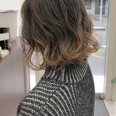 エレガント 大人ハイライト ミルクティーベージュ ハイライト ヘアスタイルや髪型の写真・画像