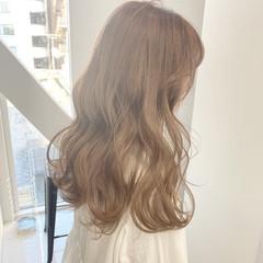 外国人風カラー ミディアム ミルクティーグレージュ ベージュ ヘアスタイルや髪型の写真・画像
