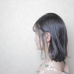 アウトドア アッシュ 黒髪 デート ヘアスタイルや髪型の写真・画像