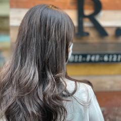 セミロング アッシュベージュ アッシュグレージュ ナチュラル ヘアスタイルや髪型の写真・画像