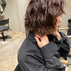 パーマ ミニボブ  ストリート ヘアスタイルや髪型の写真・画像