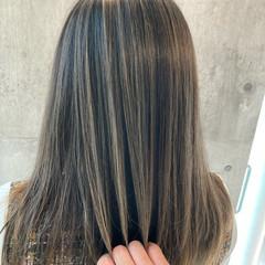 エクステ ロング グレージュ ミルクティーベージュ ヘアスタイルや髪型の写真・画像