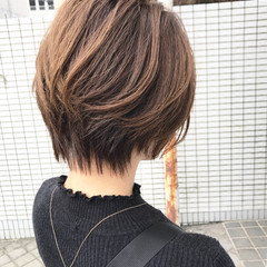 ショートボブ ミニボブ ブラウンベージュ アッシュ ヘアスタイルや髪型の写真・画像