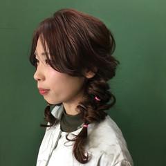 ヘアアレンジ フェミニン インナーカラー 簡単ヘアアレンジ ヘアスタイルや髪型の写真・画像
