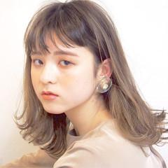 フェミニン アンニュイ 透明感 セミロング ヘアスタイルや髪型の写真・画像