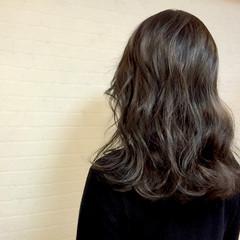 フェミニン セミロング 暗髪 ナチュラル ヘアスタイルや髪型の写真・画像