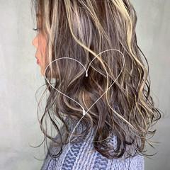 エレガント 大人ハイライト ホワイトハイライト コントラストハイライト ヘアスタイルや髪型の写真・画像