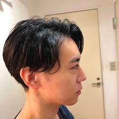 ツーブロック メンズカット かき上げ前髪 センターパート ヘアスタイルや髪型の写真・画像