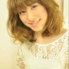ナチュラル グラデーションカラー ミディアム モテ髪 ヘアスタイルや髪型の写真・画像