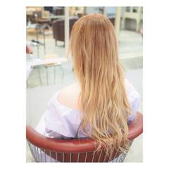 ミルクティーベージュ ロング グラデーションカラー 外国人風カラー ヘアスタイルや髪型の写真・画像
