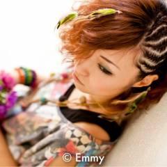 個性的 編み込み コーンロウ ストリート ヘアスタイルや髪型の写真・画像
