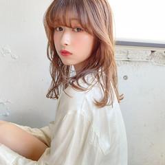 レイヤーカット フェミニン 韓国ヘア ゆるふわパーマ ヘアスタイルや髪型の写真・画像
