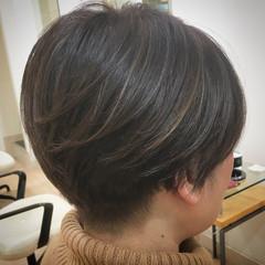 ナチュラル 大人ハイライト メッシュ ショート ヘアスタイルや髪型の写真・画像