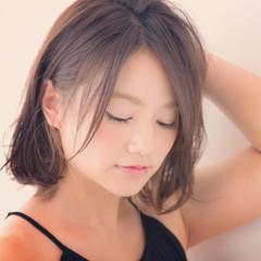 フェミニン 色気 ボブ 前髪あり ヘアスタイルや髪型の写真・画像