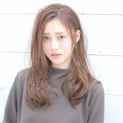 外ハネ 前髪あり 大人かわいい 外国人風 ヘアスタイルや髪型の写真・画像