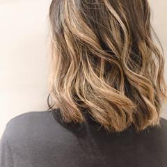 バレイヤージュ エレガント ロング ハイライト ヘアスタイルや髪型の写真・画像