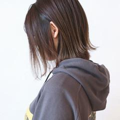ボブ グラデーションカラー 切りっぱなしボブ アッシュ ヘアスタイルや髪型の写真・画像