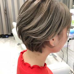 ショートボブ 女子力 ショート ハイライト ヘアスタイルや髪型の写真・画像
