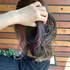 インナーカラーパープル ヘアカラー ミディアム モード ヘアスタイルや髪型の写真・画像