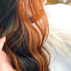 ミディアム ガーリー インナーカラー インナーカラーオレンジ ヘアスタイルや髪型の写真・画像