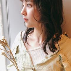 透明感 ミディアム ヘアアレンジ フェミニン ヘアスタイルや髪型の写真・画像