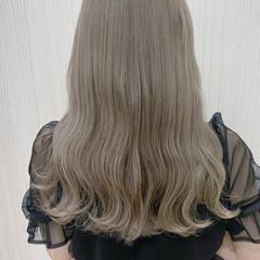 フェミニン 色気 アッシュ 大人女子 ヘアスタイルや髪型の写真・画像